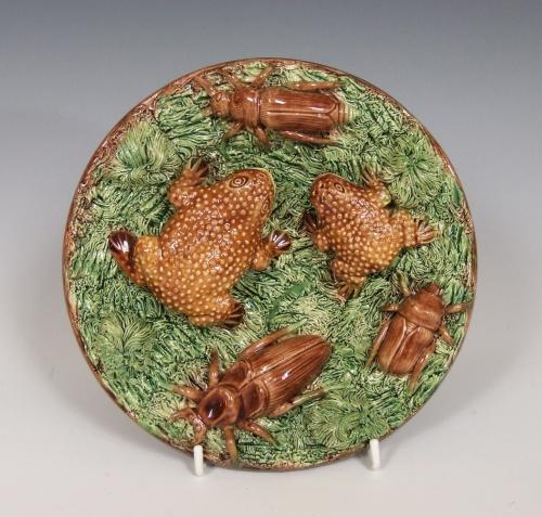 Portuguese Palissy toad & beetle plate