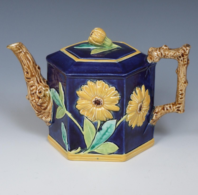 Rare VPC majolica octagonal teapot