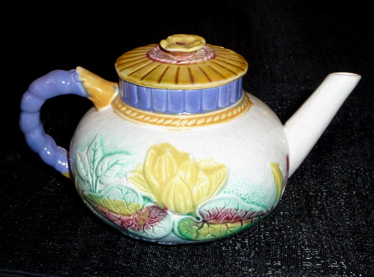 Lear majolica lily teapot