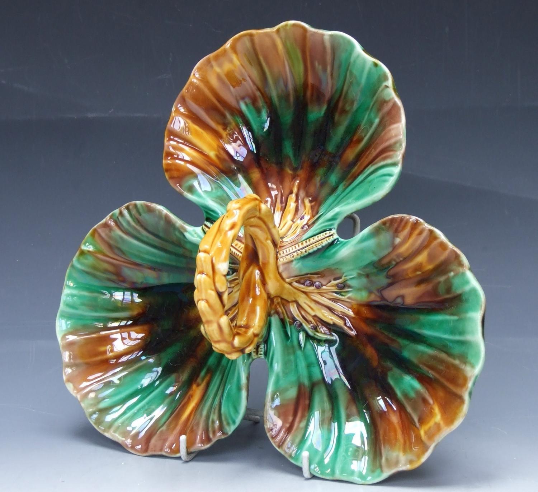Wedgwood majolica triform shell motif dish