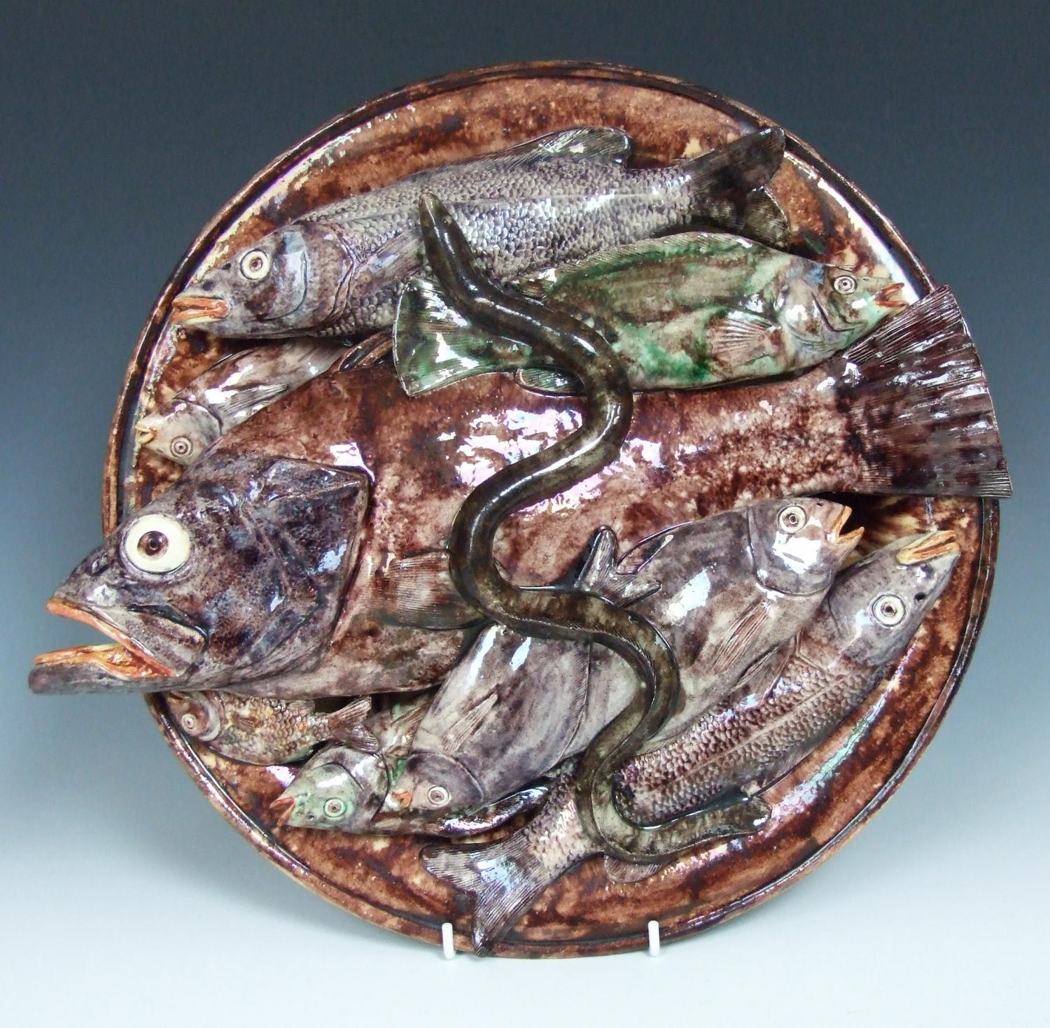 Large Mafra Palissy fish charger