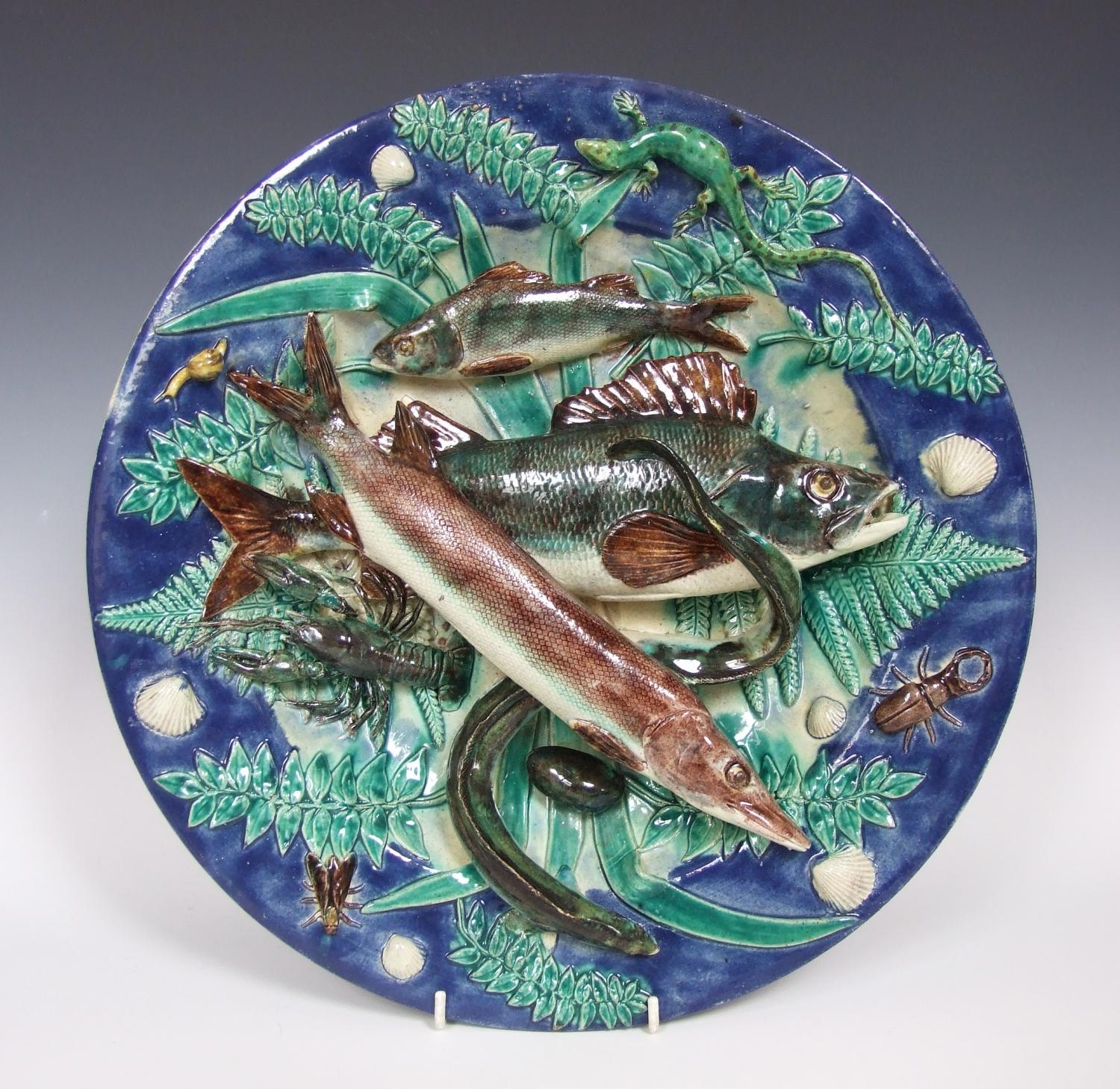 Fine large French Palissy fish charger