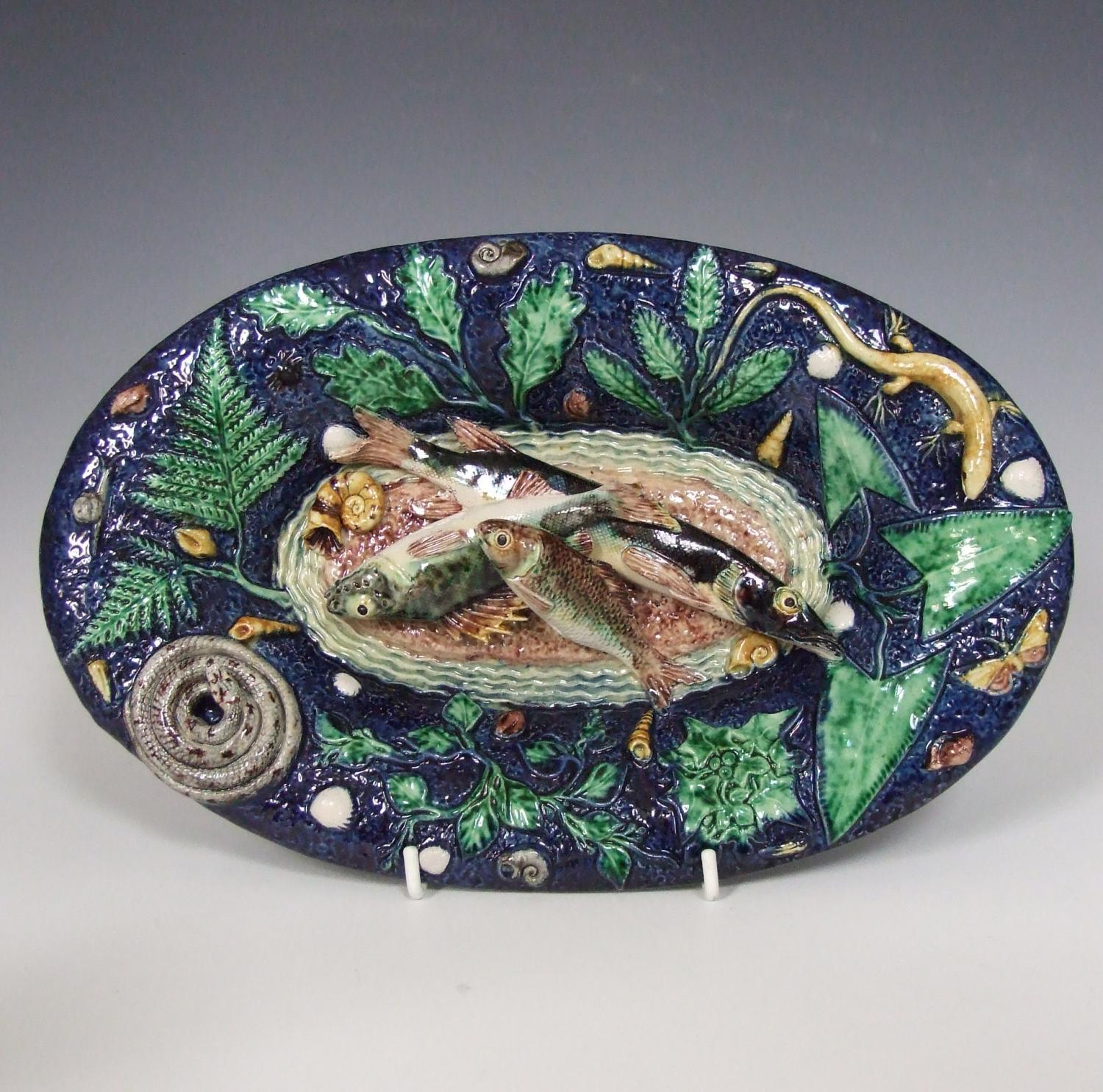 Oval French Palissy small fish charger