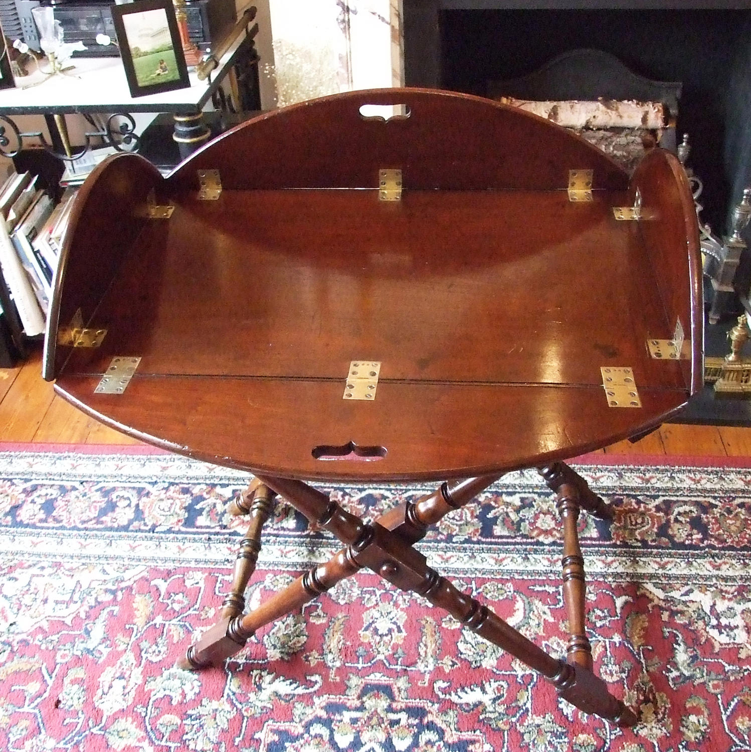 Fine Georgian mahogany large butlers tray & stand