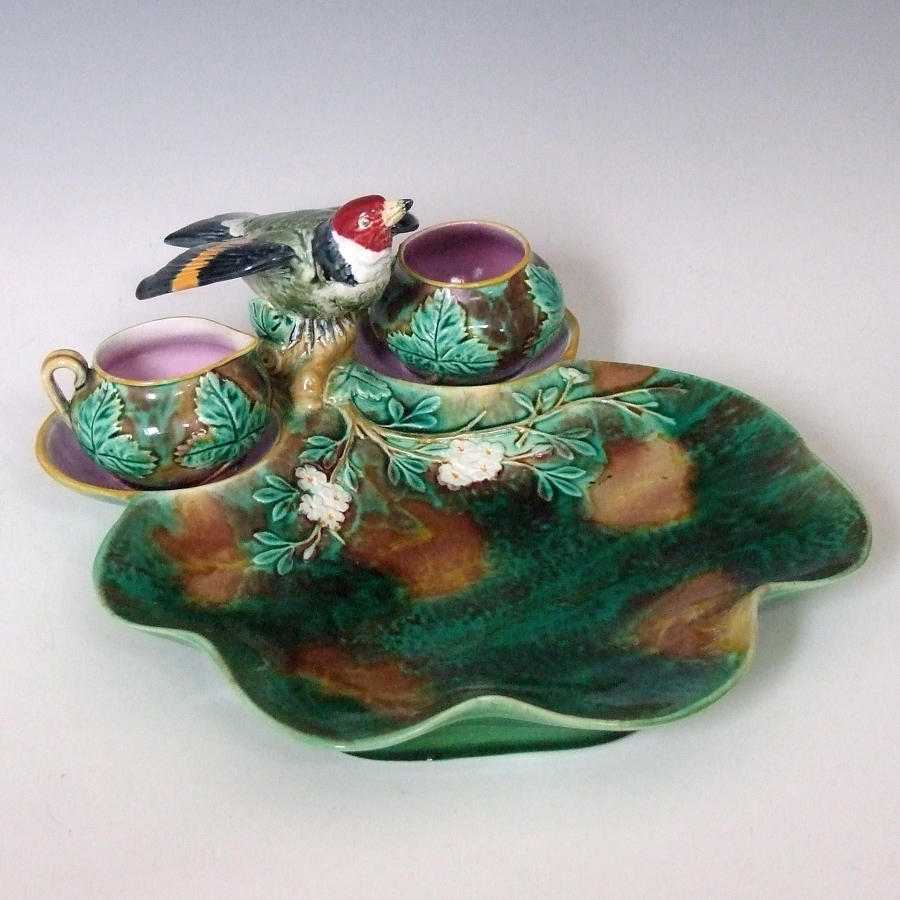 Holdcroft majolica goldfinch strawberry dish