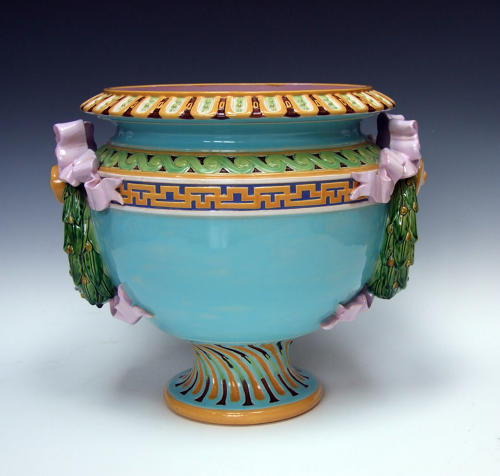 Minton majolica laurel leaf handle jardiniere