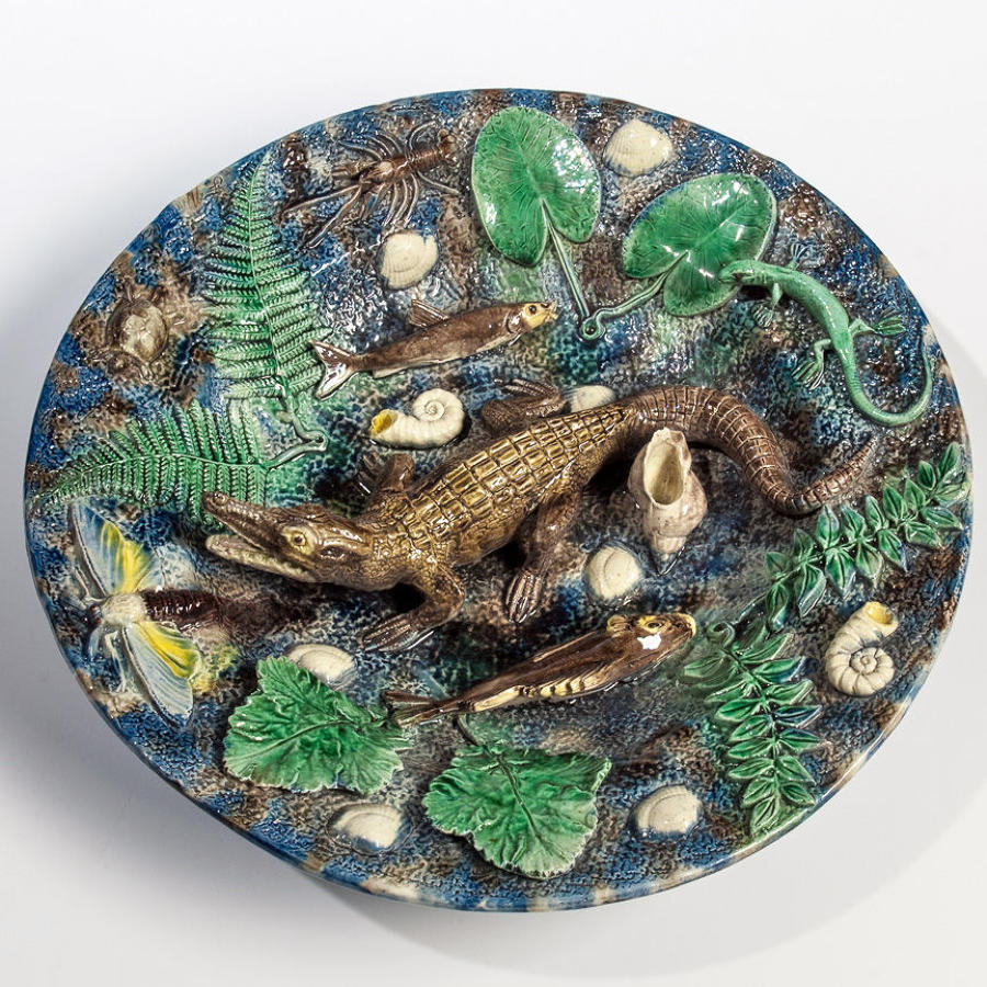 Very fine and rare large Palissy crocodile motif charger