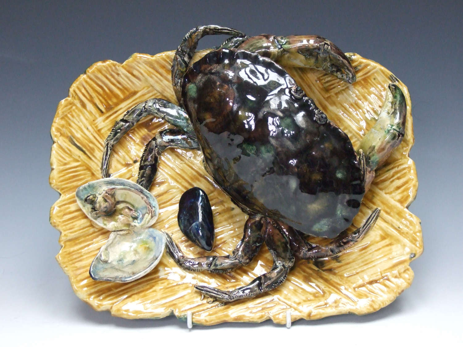 An exceptional Palissy monumental crab charger