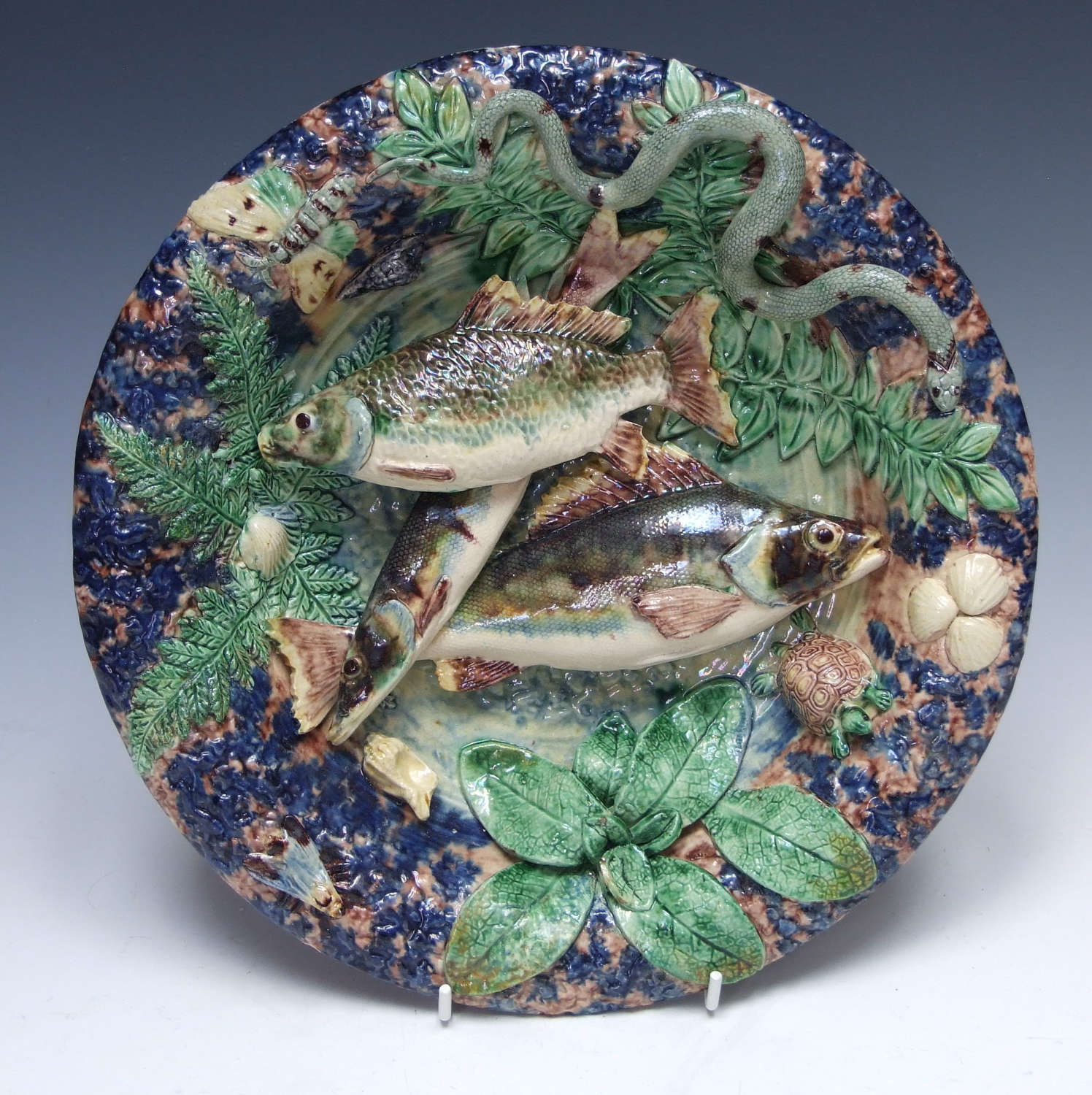 Fine Thomas Sergent Palissy multiple fish motif plate