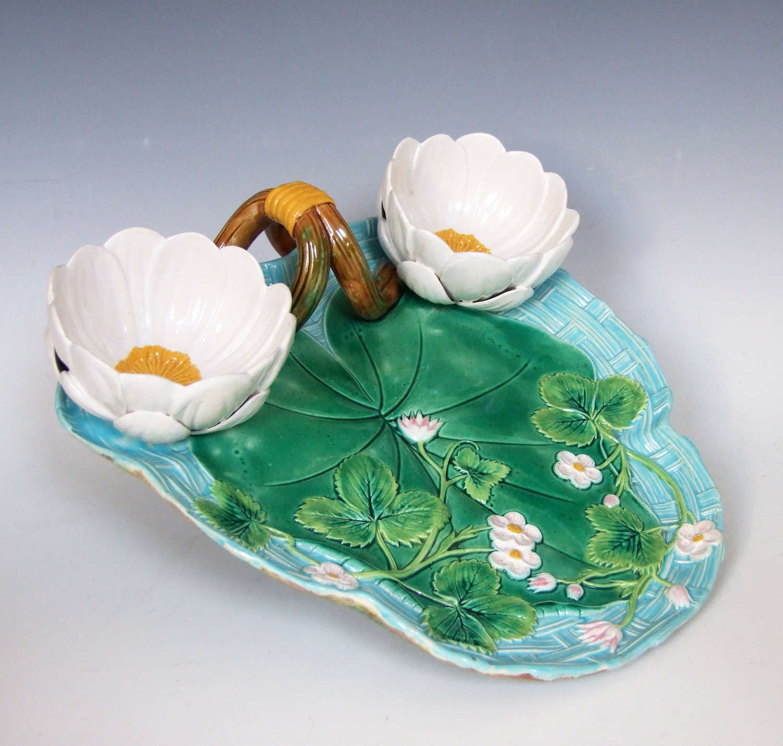 Fine George Jones majolica Lily pad & bloom strawberry dish
